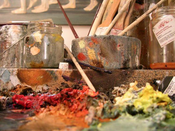 Ölfarben im Atelier