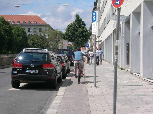 Radweg Von-der-Tann-Straße