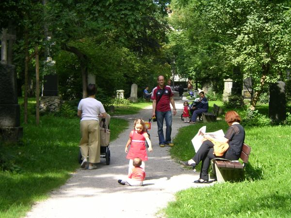 Spaziergang im Alten Nördlichen Friedhof