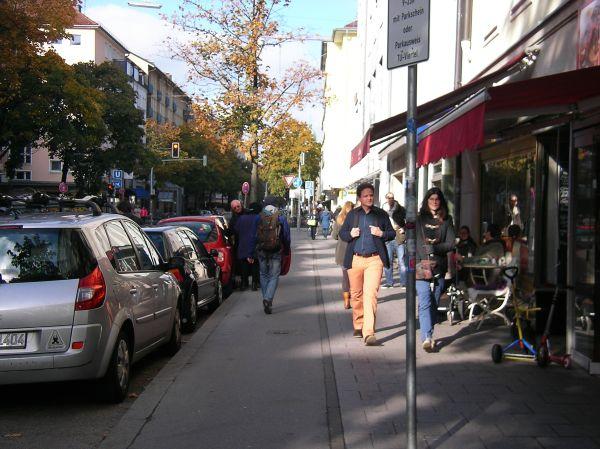 Radweg Augustenstraße in Richtung Norden