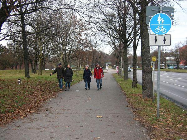 Zweirichtungsradweg Ackermannstraße zum Olympiapark