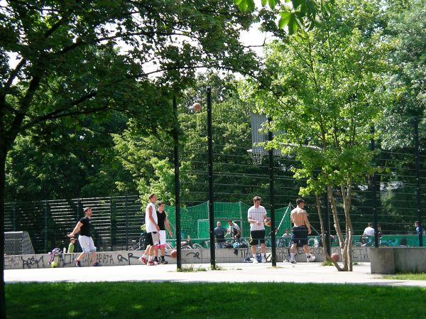Basketball im Maßmannpark