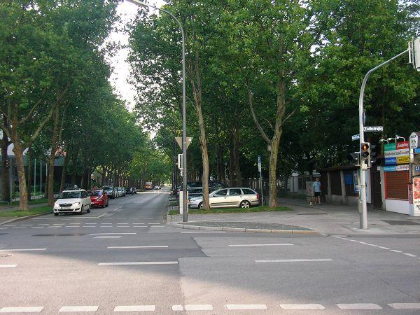 Infanteriestraße mit Radweg