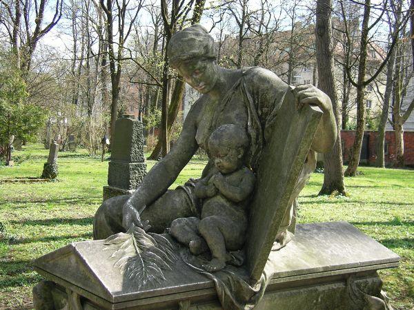 Todesengel mit Kind von Michael Wagmüller