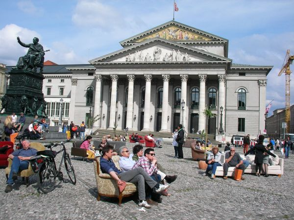 Max-Joseph-Platz vor Staatsoper
