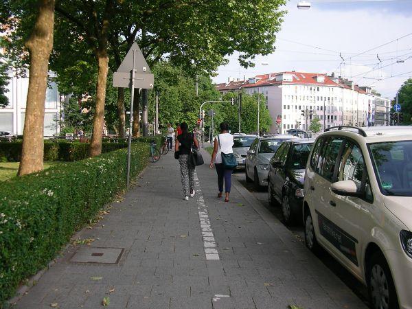 Radweg an der Dachauer Straße