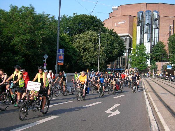 Fahrraddemo radelt am Gasteig