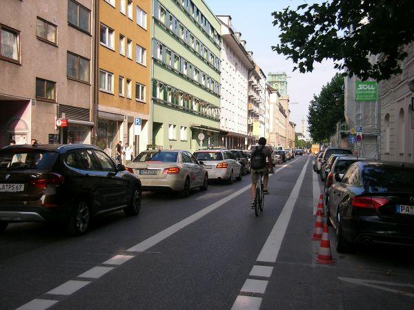 Radstreifen in der Gabelsbrergerstraße
