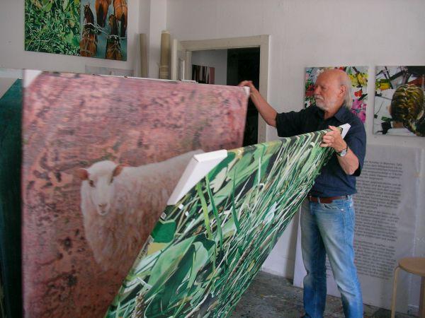 Lothar Wurm mit Schafbild