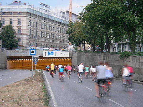 Einfahrt in den Altstadtringtunnel