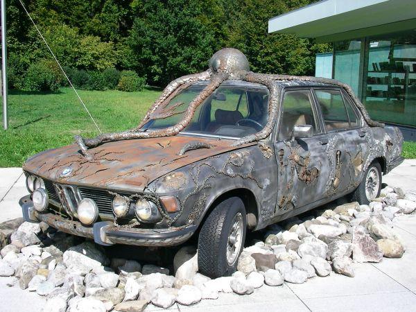 Unterwasser-BMW vor dem Buchheim