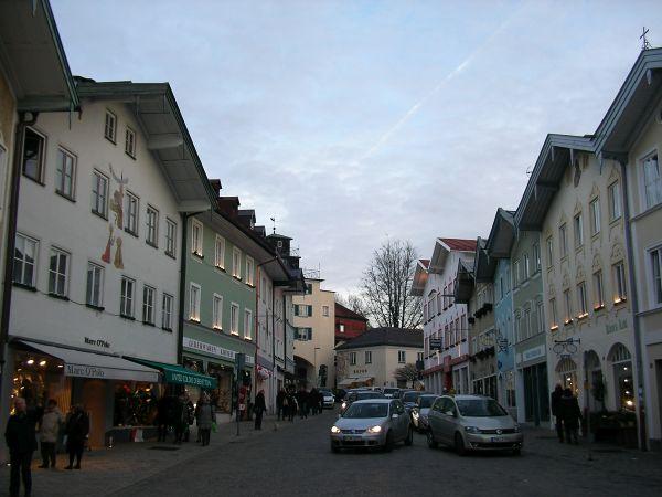 Marktstraße mit Stadttor