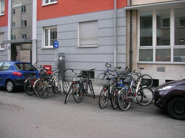 Fahrradabstellplätze