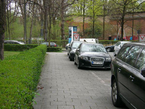 Parkende Autos Tengstraße