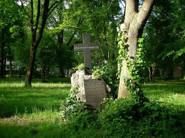 Grabstein im Alten Friedhof