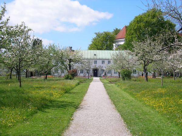 Schlossgarten Dachau im Mai