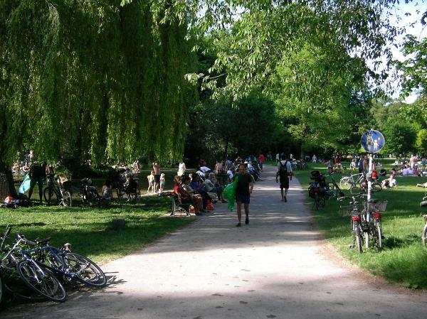 Fußweg im Englischen Garten