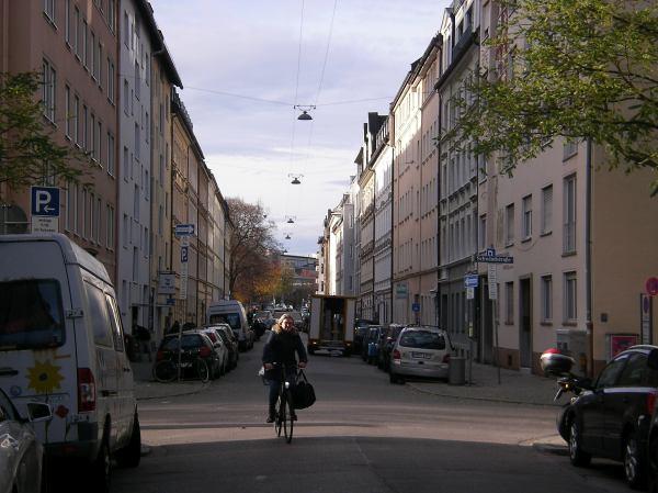 Heßstraße in München mit dem Fahrrad