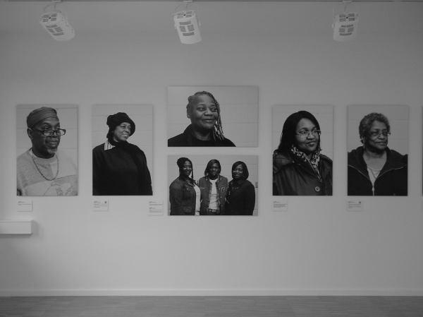 """Tompson """"Divine"""" - Porträts von Besucher/innen"""