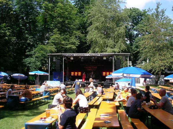 Tunix Open Air mit Biergarten