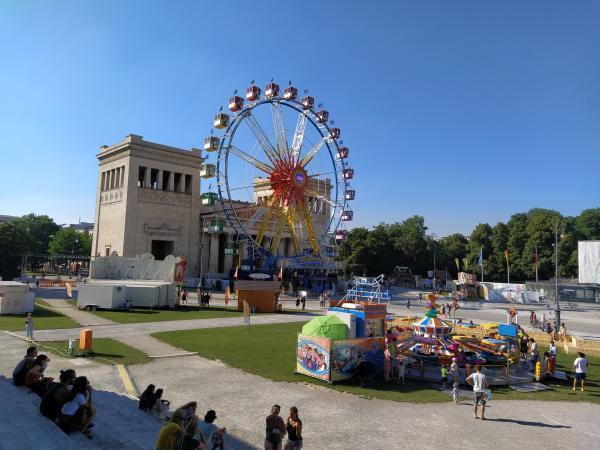 Sommer in der Stadt - Königsplatz Überblick